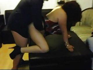 घर की पार्टी में पति की बॉस से चुदाई