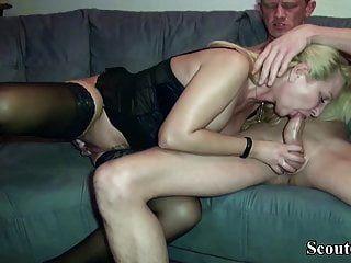 जर्मन बड़े स्तन एमआईएलए जेनी विशाल डिक उपयोगकर्ता के साथ fucks