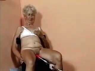 पुराने दादी मशीन द्वारा गड़बड़