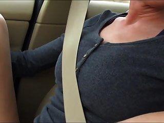 कार में सवार