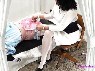 महिलाओं का दबदबा pantyhose नर्स बीडीएसएम बहिन परीक्षा handjob