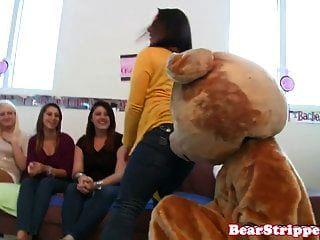 असली जन्मदिन बेब उसकी पार्टी में cocksucking